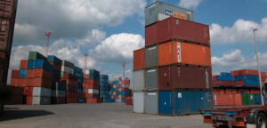 shipping-containers-dock-storage
