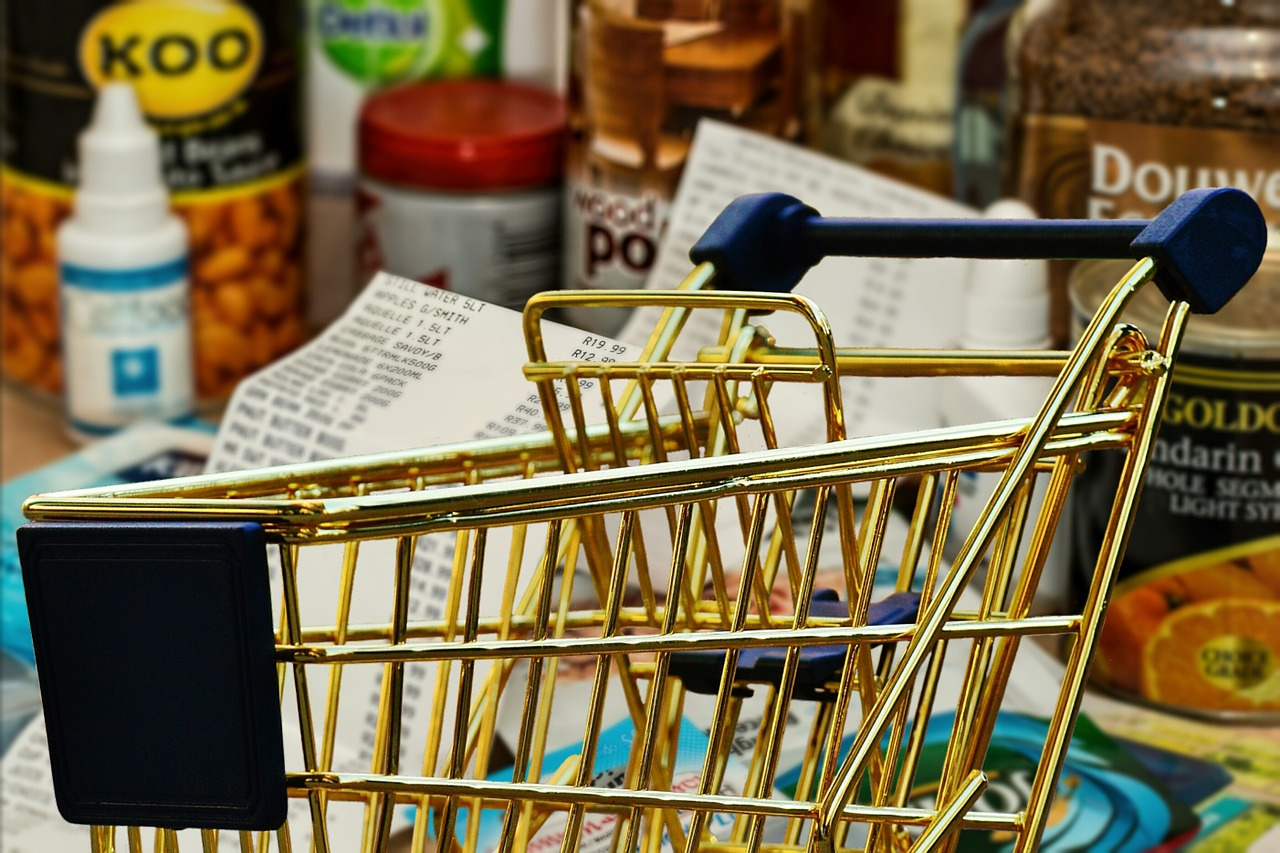 laptop-with-shopping-cart-image-shopping-online